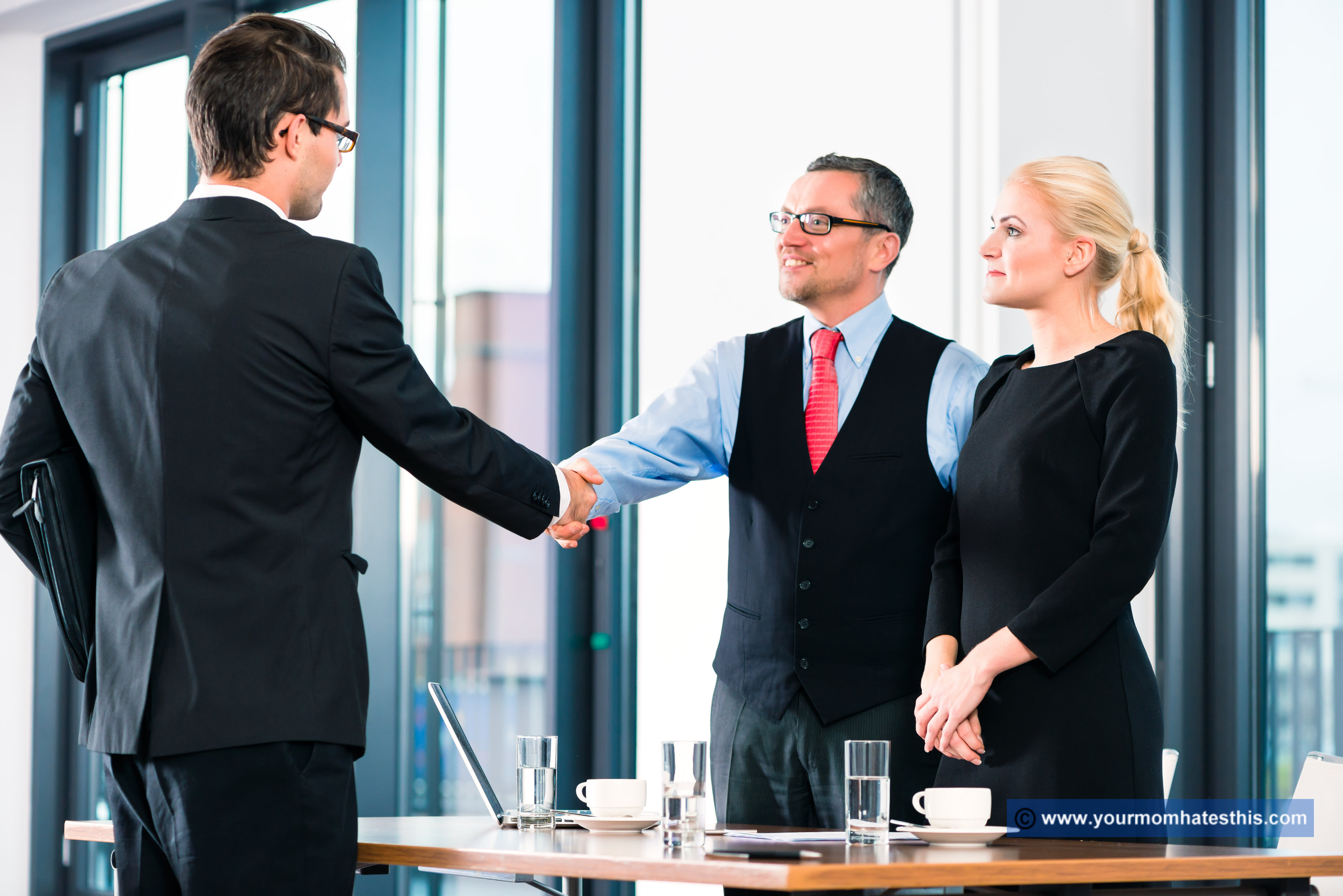5 Points to Consider Before Taking a Job Offer