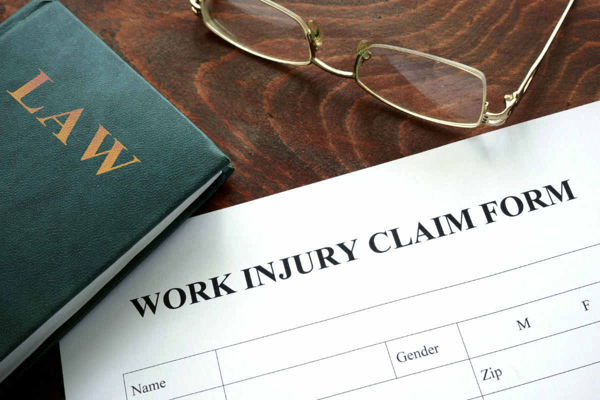 Injured on the Job? Here are 3 Reasons Why You Should Consider a Workman's Comp Lawyer