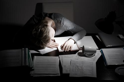 Do You Often Stay Up Late Working? Here's How Losing Sleep Hurts Our Productivity and Our Health