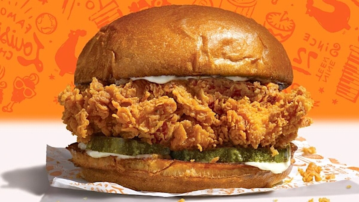 Popeyes Taking a Second Shot at the Chicken Sandwich Wars, Hires 400 People